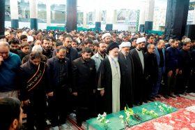 اقامه نماز بر پیکر شهدای مدافع حرم به امامت آیت الله حسینی بوشهری