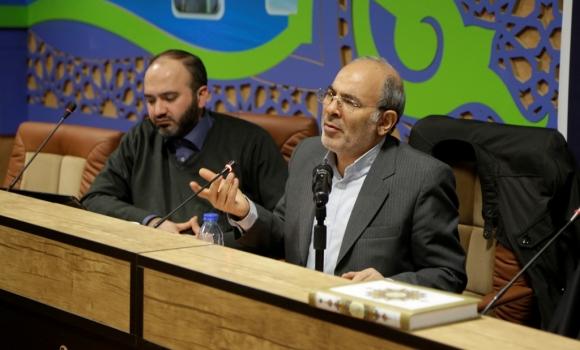 انقلاب اسلامی نقش احیاگری دین در عصر حاضر را عهده دار است