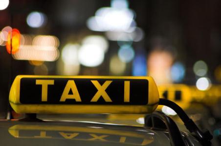 خدمات رسانی ۲۰۰۰ دستگاه تاکسی در نیمه شعبان