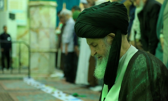 اقامه نماز مغرب و عشاء به امامت آیت الله العظمی علوی گرگانی