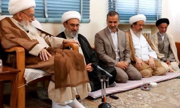 دیدار تولیت های مسجد کوفه و مسجد مقدس جمکران با آیت الله صافی گلپایگانی