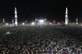 اقامه نماز شب نیمه شعبان به امامت تولیت مسجد مقدس جمکران
