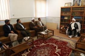 دیدار تولیت مسجد کوفه با آیت الله العظمی مکارم شیرازی