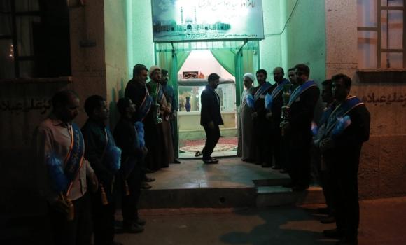 غبارروبی مرقد مرحوم ابوالحسن الرضا نخستین خادم مسجد مقدس جمکران