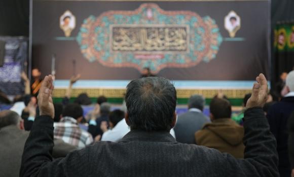 مراسم قرائت دعای کمیل با حضور منتظران امام زمان(علیه السلام)