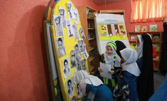 بازآفرینی وقایع انقلاب در مرکز گل نرگس مسجد مقدس جمکران