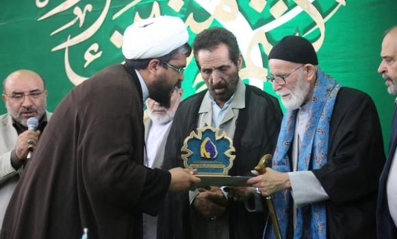 تجلیل از دو چهره مداحی و شعر مهدوی در مسجد مقدس جمکران