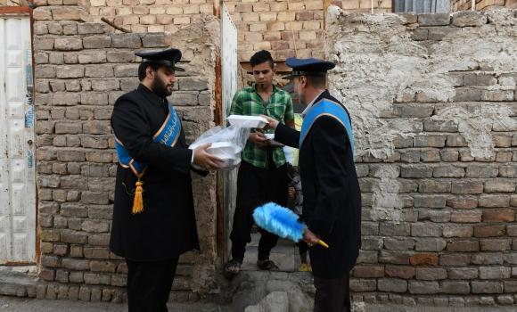 اجرای طرح «سفره مجازی به بزرگی تهران» به همت مسجد جمکران/ توزیع ۶۰ هزار پرس غذا بین محرومان
