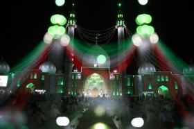 زمزمه دعای توسل در فضای قدسی مسجد مقدس جمکران