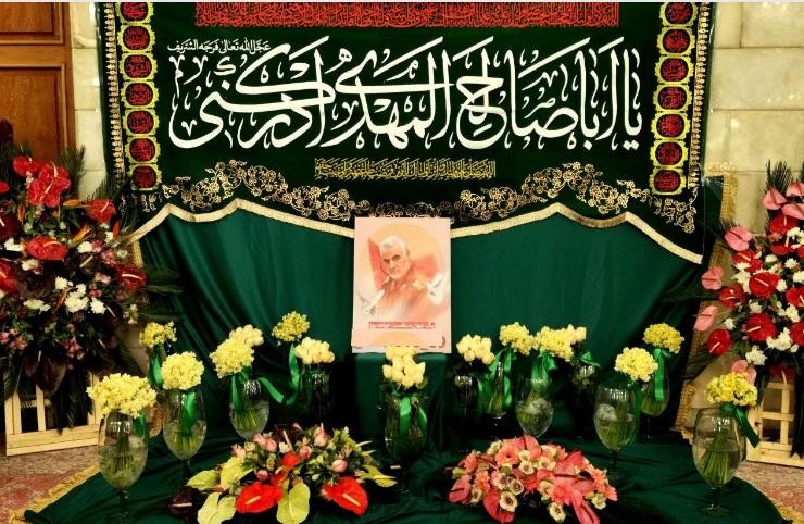 حرم حضرت زینب (س) گلآرایی شد/ تصاویری از سردار سلیمانی در حرم