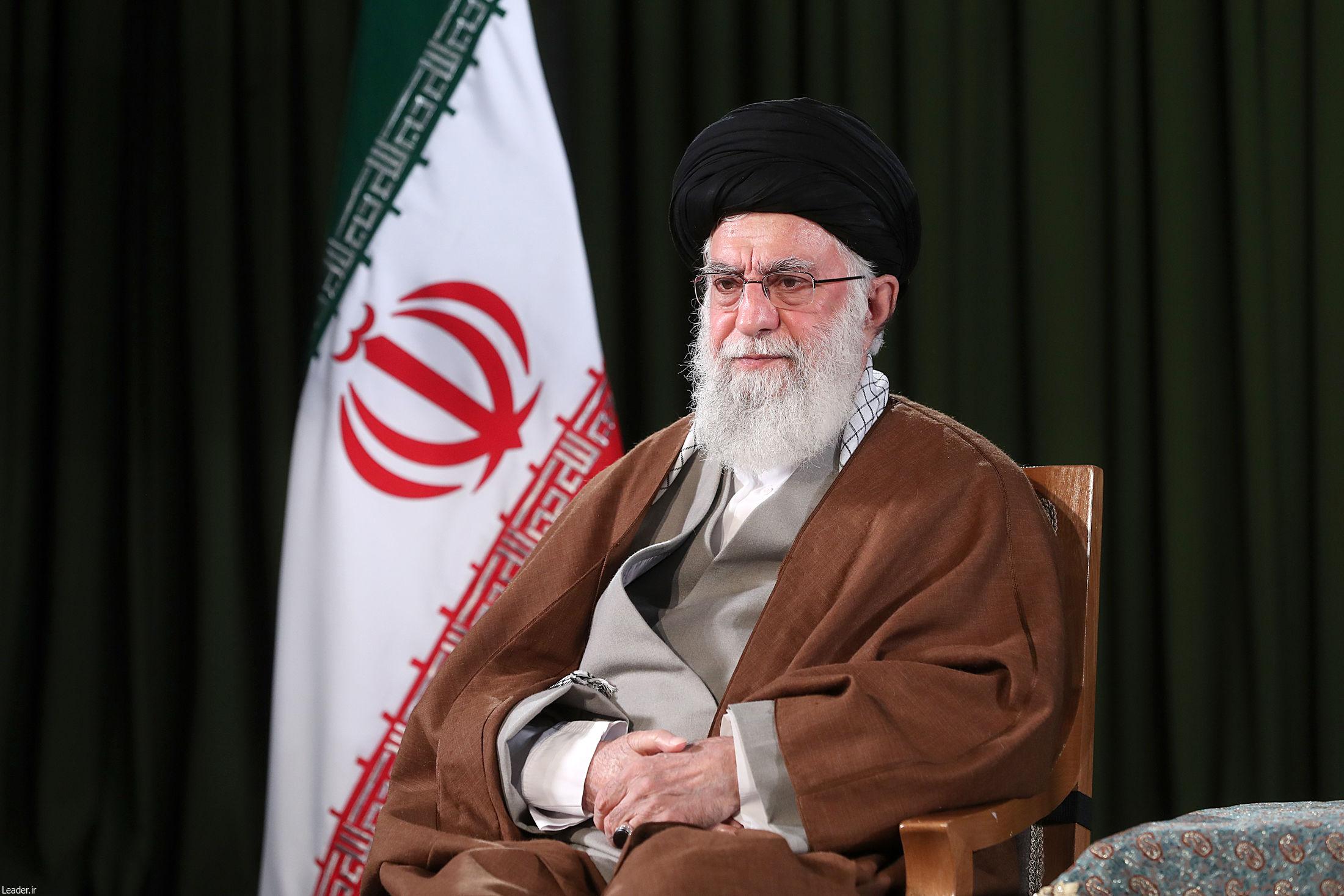پخش زنده سخنرانی رهبر معظم انقلاب در مسجد مقدس جمکران